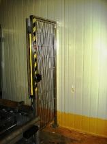 Puerta a medida especial con barrera optoelectrónica acoplada