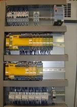 Interior de cuadro de control para sistema de seguridades