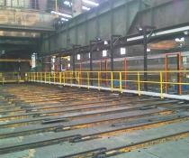 Diseño e instalación de pasarela colgante con vallado integrado