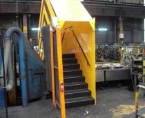 Diseño, fabricación y montaje de pasarelas y escaleras