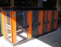 Instalación de vallado acoplado a estructura de maquinaria
